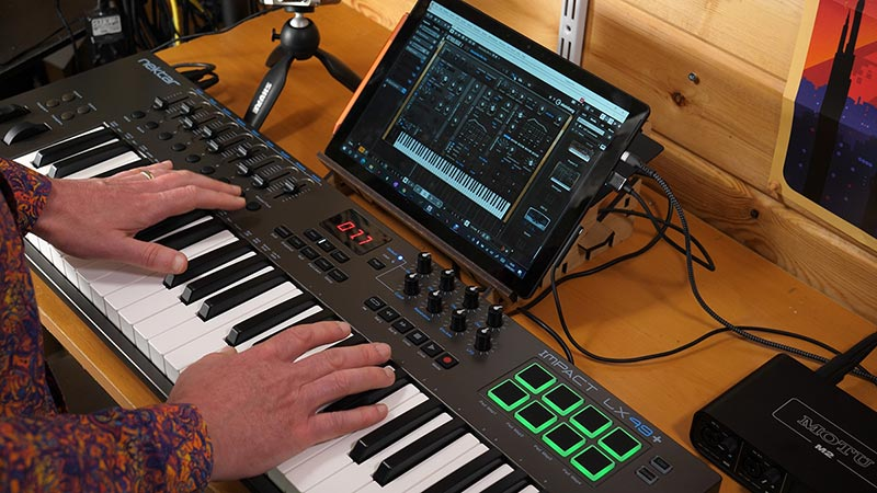 Musician using free synth VST